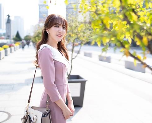 Choi Si-eun fell in love with announcer eSports.