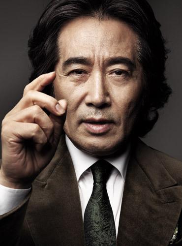 Let's learn about Korean actor, Baek Yoon-sik