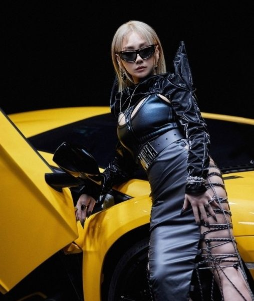 CL's new song SPICY was released today (24th) Powerful and fierce rap