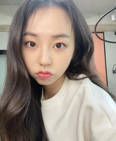 The baby face that makes Ahn Sohee smile is so lovely