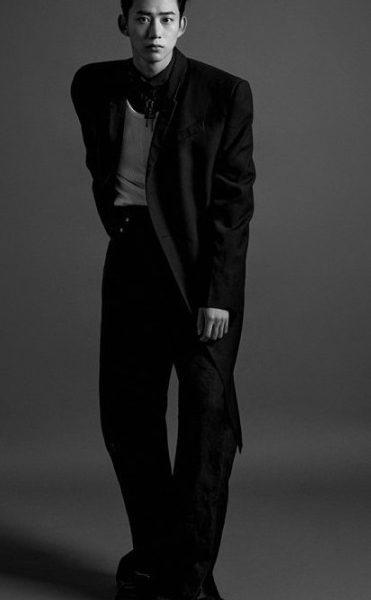 Ok Taecyeon, wit guy's charm comeback of 2PM